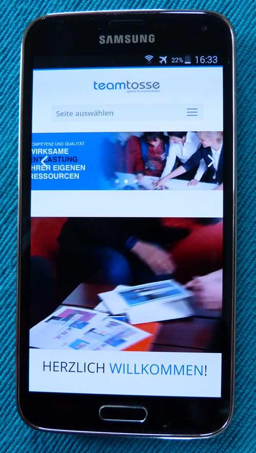 Eine mobil optimierte Website bringt Ihnen mehr Besucher und generiert in einem Webshop erheblich höhere Umsätze.